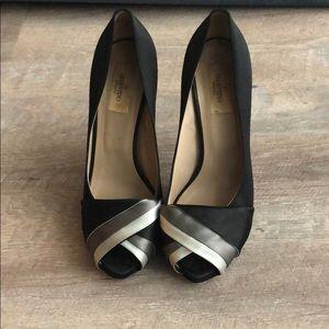 Valentino silk hidden platform peep toe pumps